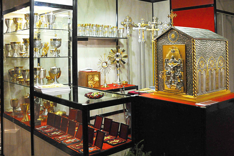 Galleria arredi sacri memeo for Arredi sacri milano